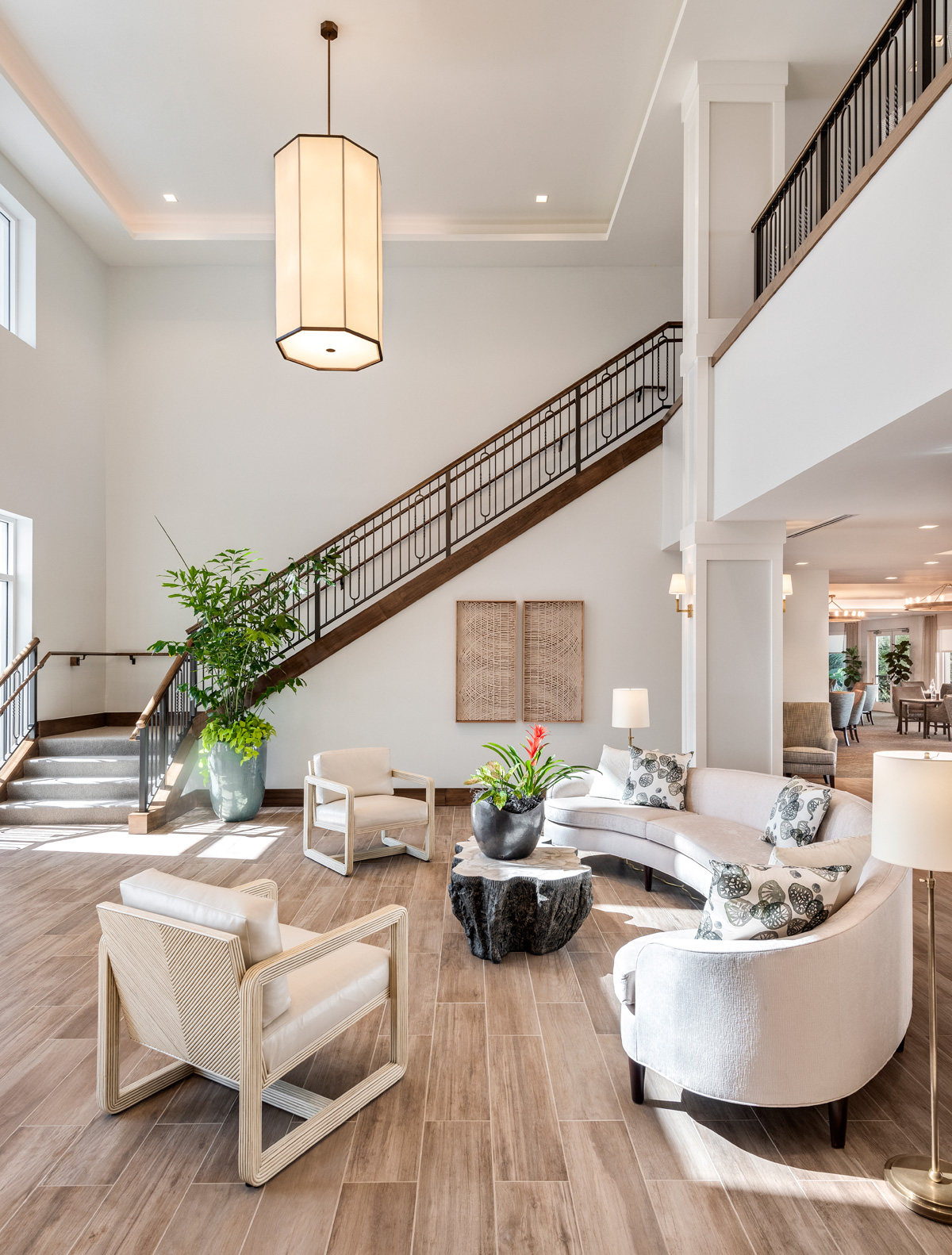 The Vistas Assisted Living Lobby greets visitors over looks the courtyard pool and hosts social events.