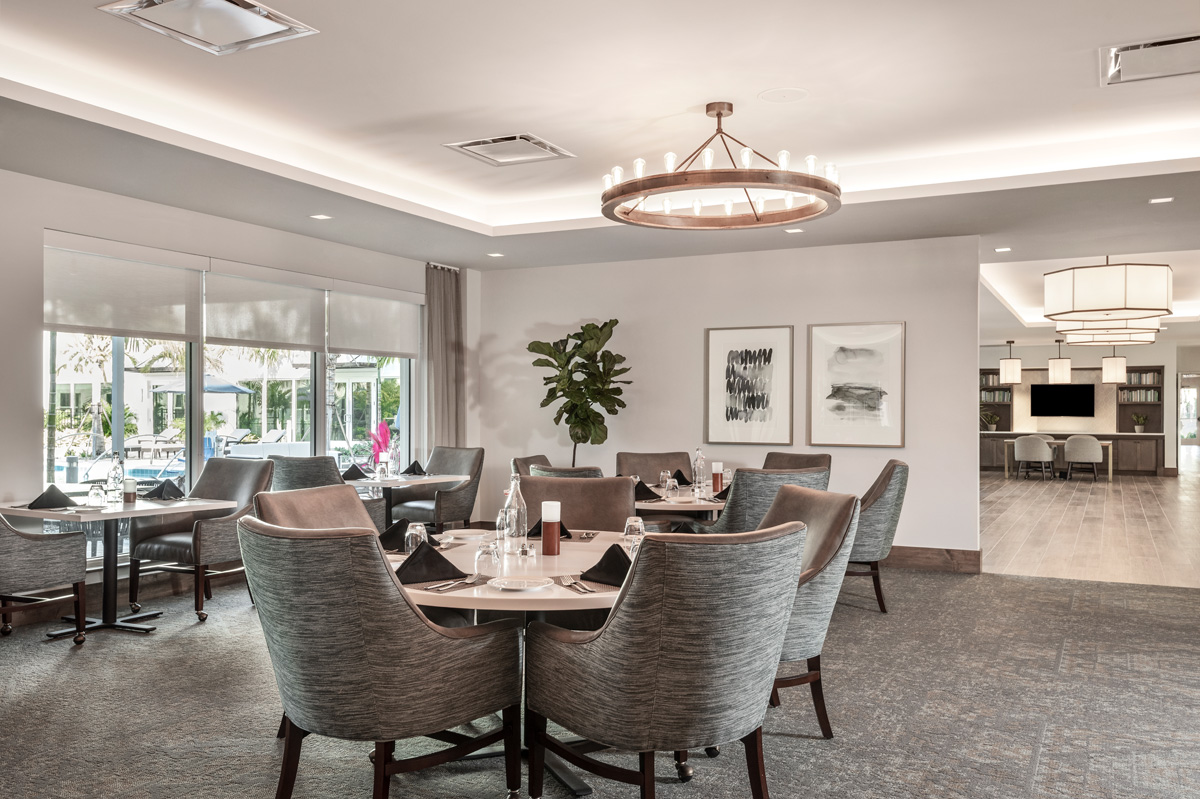The Vistas Assisted Living enjoy their own dining room which over looks their courtyard pool and is located just off the looby.
