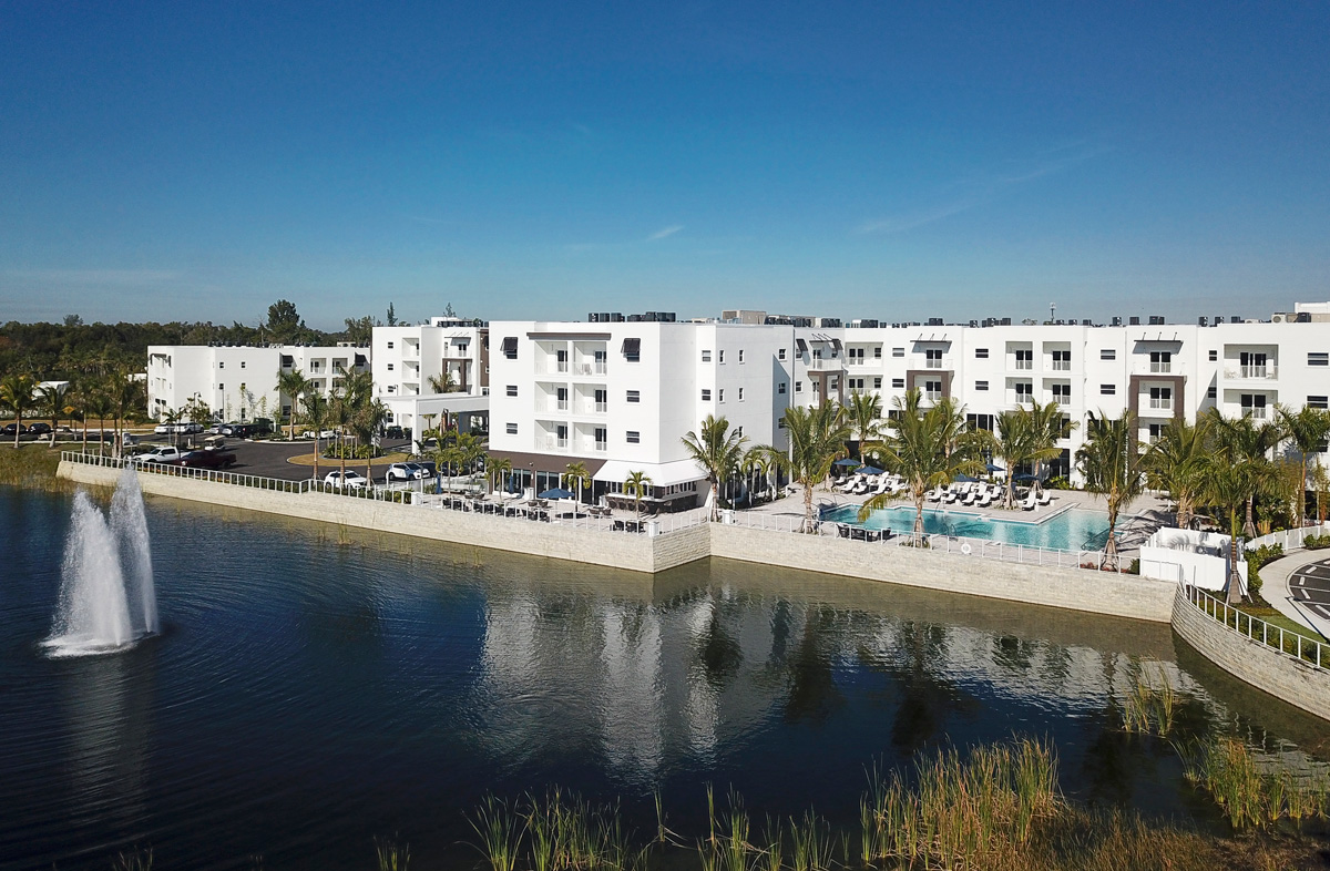 Our beautiful lake and fountain which welcomes everyone who visites amavida and the many apartments enjoy the view.